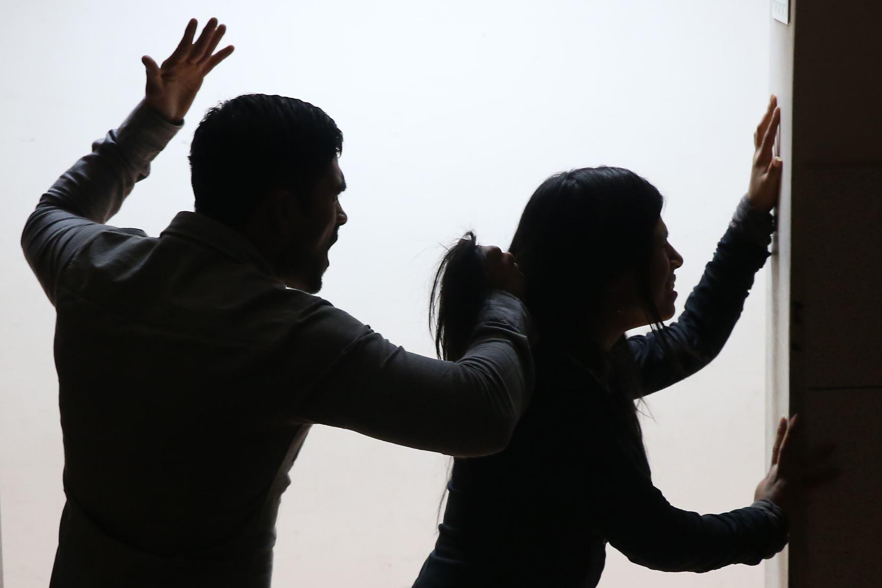 El jueves 23 de noviembre se desarrolló en el Auditorio Libertador una jornada informativa sobre violencia de género.