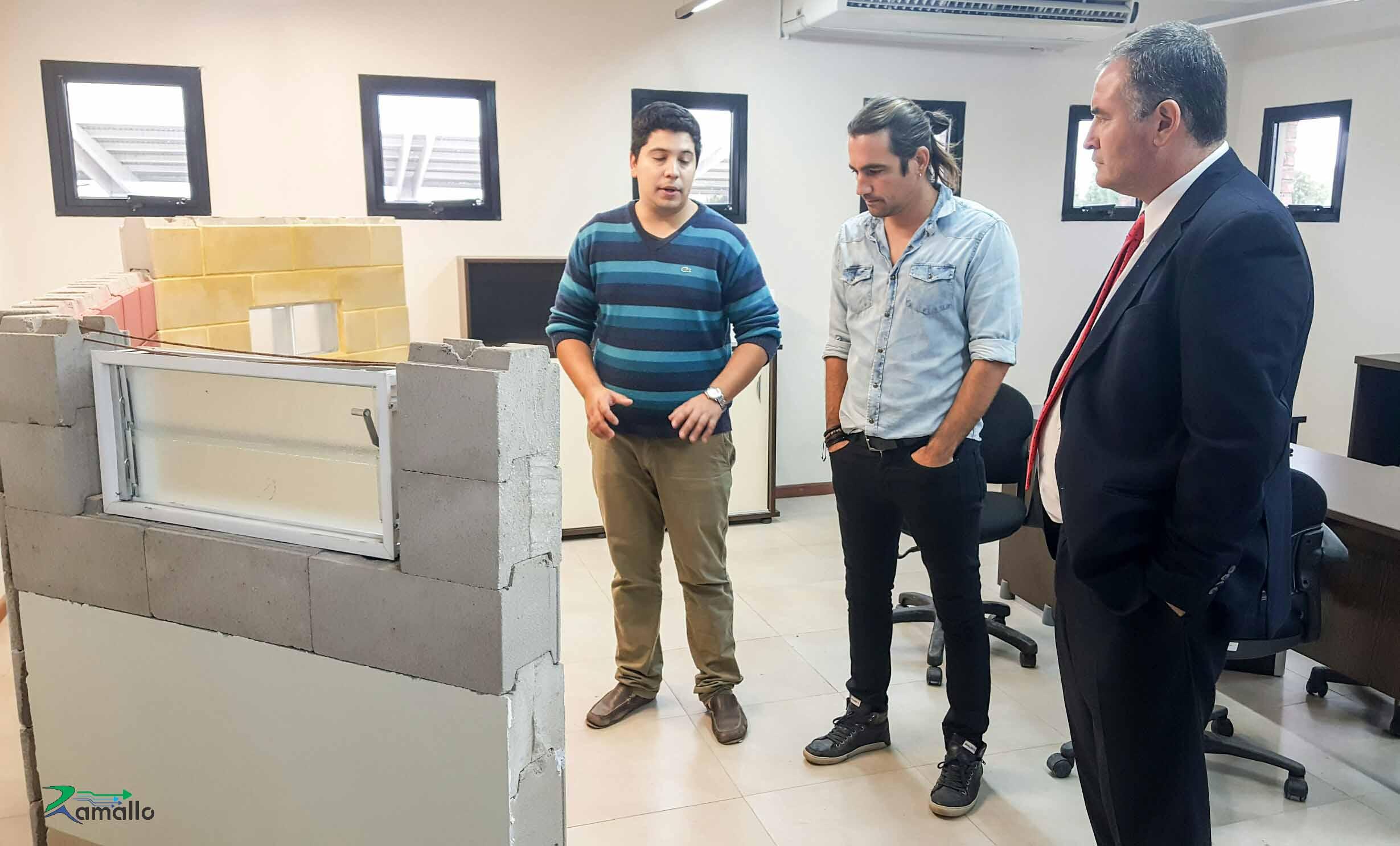 Este miércoles, el intendente Mauro David Poletti recorrió las instalaciones de una nueva empresa ubicada en Parque Industrial COMIRSA que abrirá sus puertas el mes próximo y generará fuentes de trabajo para la comunidad de Ramallo.