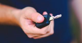 Recuperan auto robado