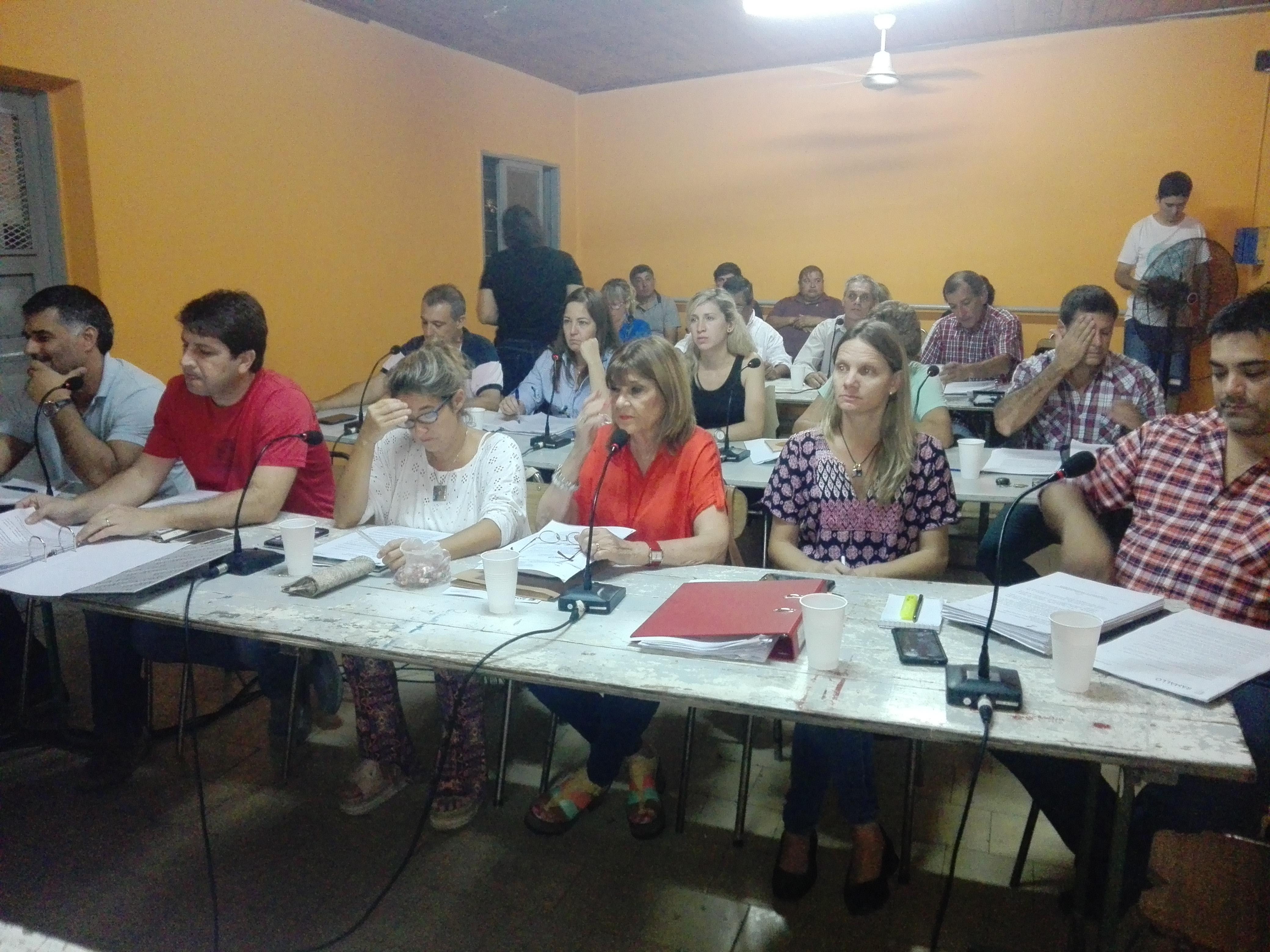 En la última sesión del Concejo Deliberante, que se desarrolló en Villa General Savio, el bloque Cambiemos votó en contra del pedido de dos patrulleros para la localidad.