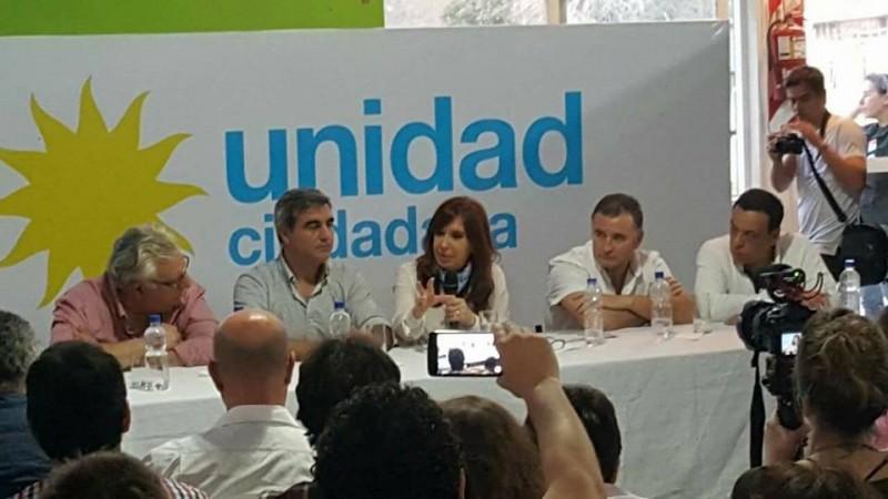 Los intendentes peronistas del interior de la provincia de Buenos Aires repudiamos y alertamos sobre la citación a indagatoria y pedido de desafuero a la senadora nacional Cristina Fernández de Kirchner.