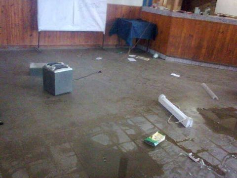 Robo y vandalismo en el Club �Brisas del Paran�. Solicitan la ayuda del Municipio.