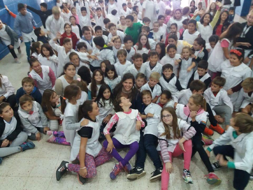 """Sabrina Gullino Valenzuela Negro es la nieta recuperada 96. Estuvo este miércoles en la Escuela N°6 """"Manuel Belgrano"""" de Villa Ramallo dando una charla en la Semana de la Memoria."""