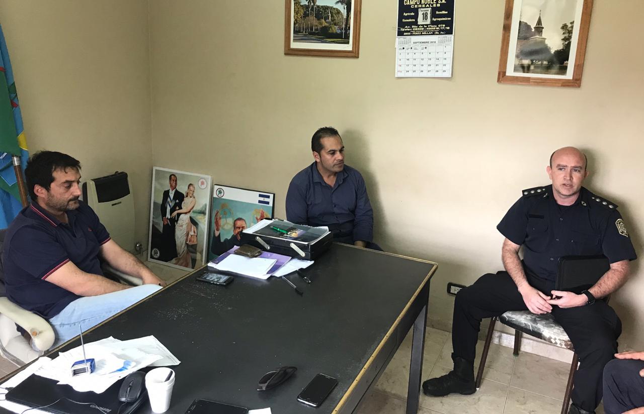 Se celebró una reunión en la Delegación Municipal de Pérez Millán, donde se abordaron diferentes problemáticas pertinentes al área de seguridad.