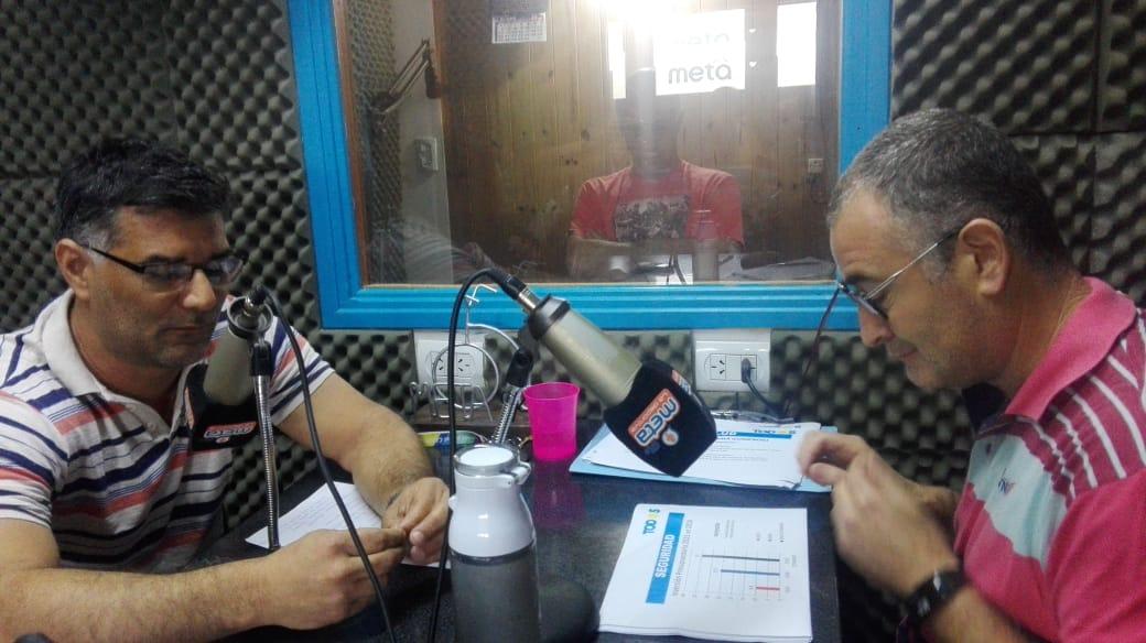 Los dos candidatos más votados en las PASO debatieron en radio de cara al próximo 27 de octubre. El encuentro se dio por iniciativa de Radio Meta (FM 94.1) de Villa Ramallo, donde estuvieron presentes el intendente Mauro Poletti, por el Frente de Todos, y el concejal Gustavo Perie, de Juntos por el Cambio.