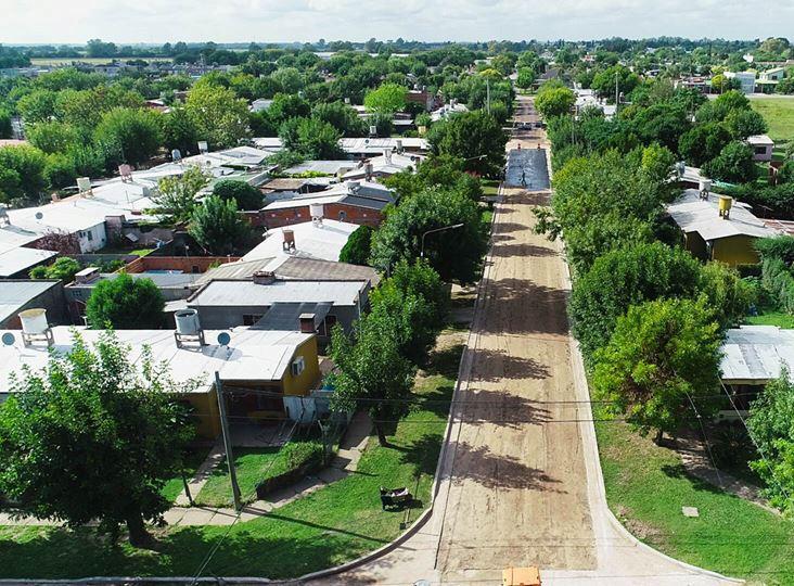 Después de 30 años se comenzó a realizar la obra de pavimento en el Barrio Fonavi de Villa Ramallo.
