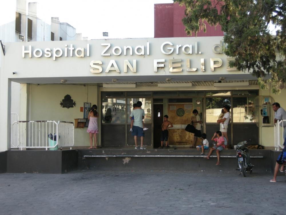 El martes 15 de agosto, en horas de la mañana, se produjo un accidente en calle Savio de la ciudad de Ramallo, cuando un empleado municipal fue víctima de una explosión que le produjo graves quemaduras.