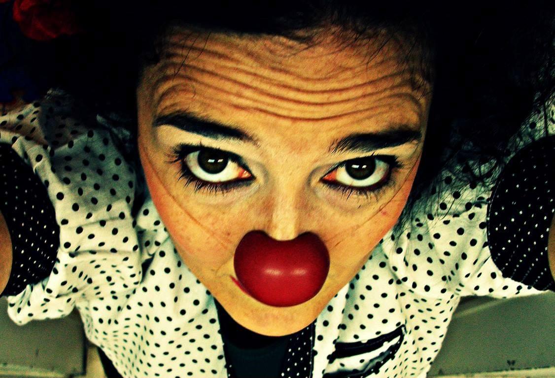 La actriz, payasa y docente oriunda de Chivilcoy, Rosina Fraschina, dará un Curso intensivo de Clown los días 10 y 11 de junio en la Casa de la Cultura de Salto (Sarmiento 126, CABA).