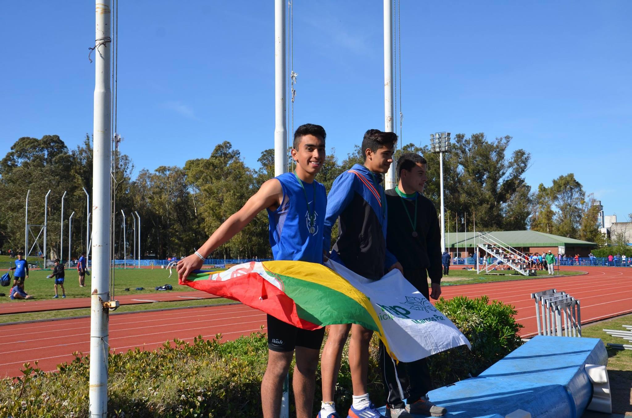 Lisandro Portillo se suma a la Subsecretaría de Deportes municipal para enseñar atletismo en la localidad de Pérez Millán.