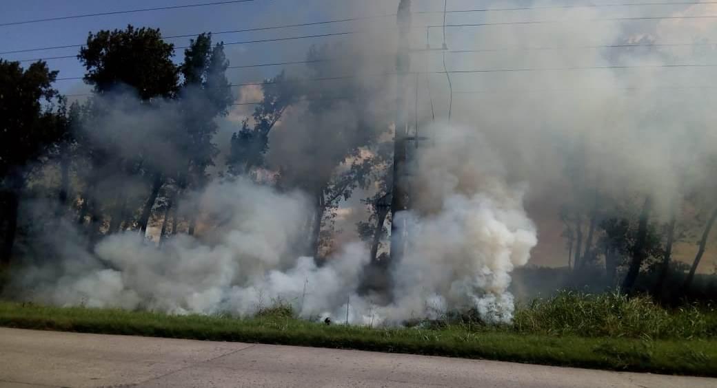 Bomberos Voluntarios fueron alertados por un incendio en las instalaciones de la explanta de biodiesel Fox Oíl, ya en desuso, ubicada en el Parque Industrial Comirsa.