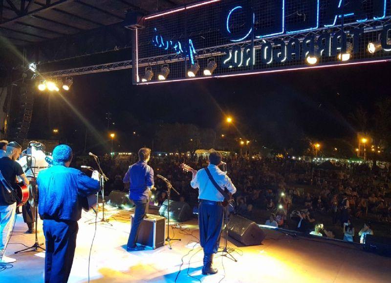 La 23ª edición del Ramallo Porá, el festival de la música litoraleña, tendrá lugar el próximo sábado 16 y domingo 17 en el Paseo Arturo Jaureche del Puerto Ramallo, con entrada libre y gratuita.
