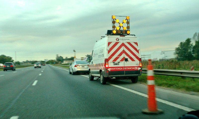 Este jueves 28 de septiembre se produjo un accidente de tránsito en la Autopista 9, a la altura del kilómetro 216, mano Rosario-Buenos Aires.