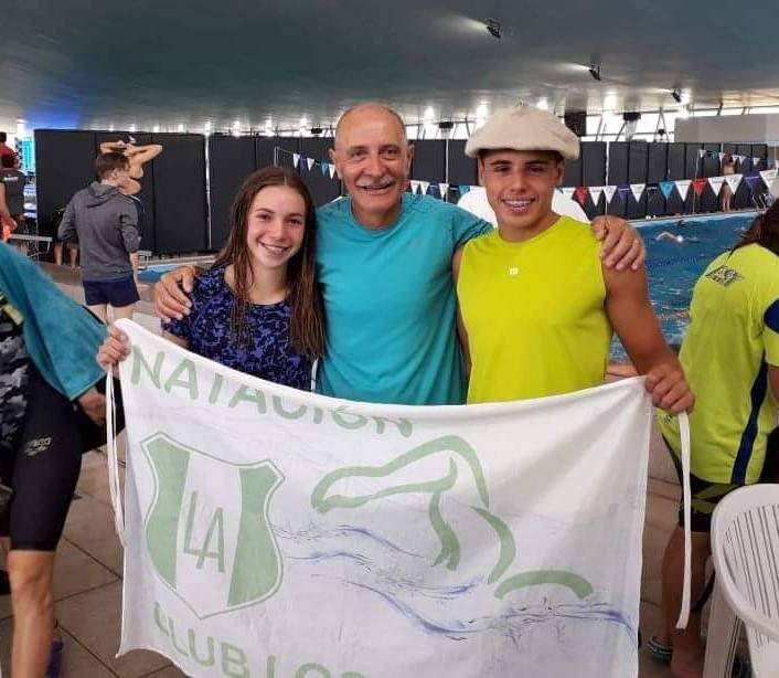 Los nadadores del Club Los Andes, Francisco Butti y Catalina Oviedo, se consagraron campeones nacionales en el torneo para la categoría cadetes que se está desarrollando en el club Gimnasia y Esgrima de Santa Fe.