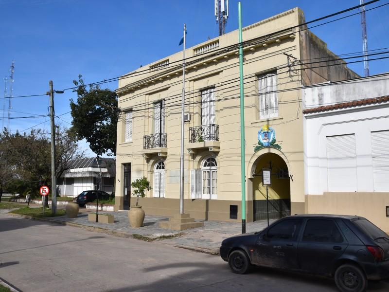 La Comisaría Primera de Ramallo informó que un sujeto de 21 años de edad habría intentado abusar de dos menores, en las inmediaciones de un Centro de Integración Municipal, en la zona de España y Santa Fe.