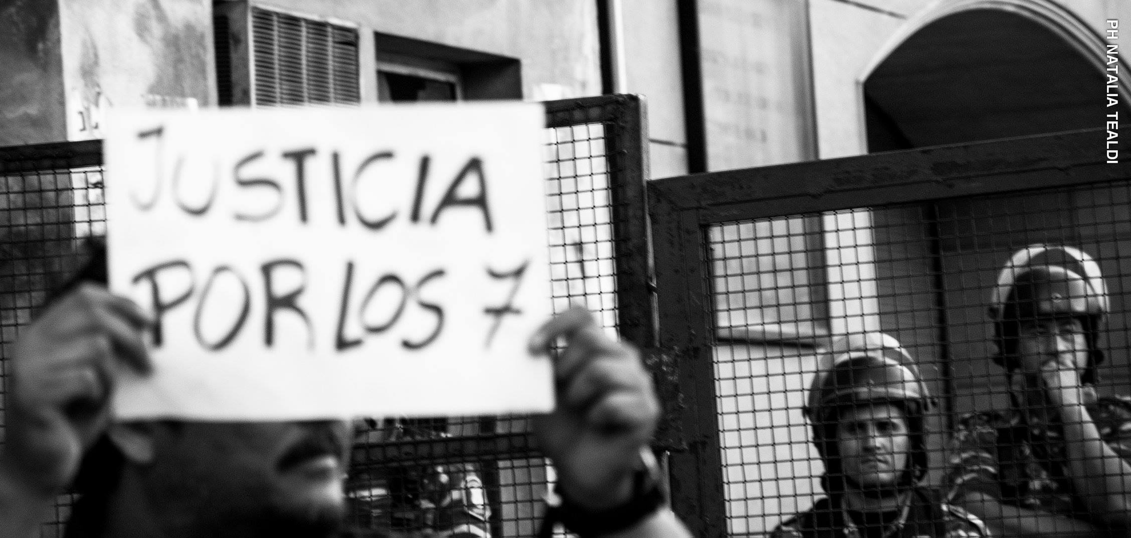 La Comisión Provincial por la Memoria (CPM) de Buenos Aires repudió la resolución de la Cámara de Apelaciones que ratificó el arresto domiciliario para cuatro de los cinco policías detenidos por la Masacre de Pergamino, en la que murieron siete detenidos en una comisaría.