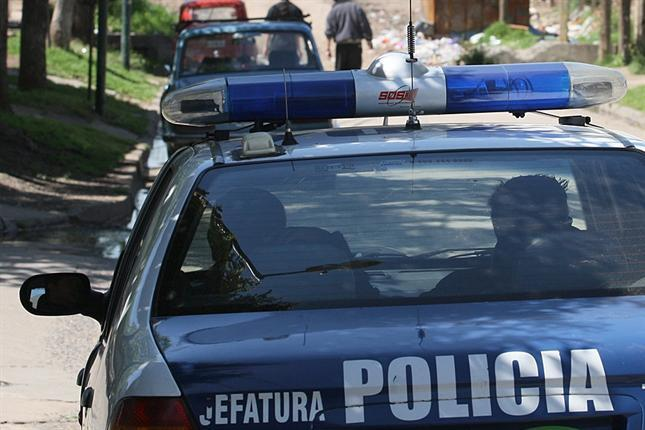 En la madrugada de este martes 29 de mayo fue hallado el cuerpo sin vida de Santiago Siricani, de 19 años, quien presentaba una herida de arma blanca en la zona abdominal. Según confirmo la policía, se produjo luego de un altercado con otro joven, quien le propino el fatal puntazo.