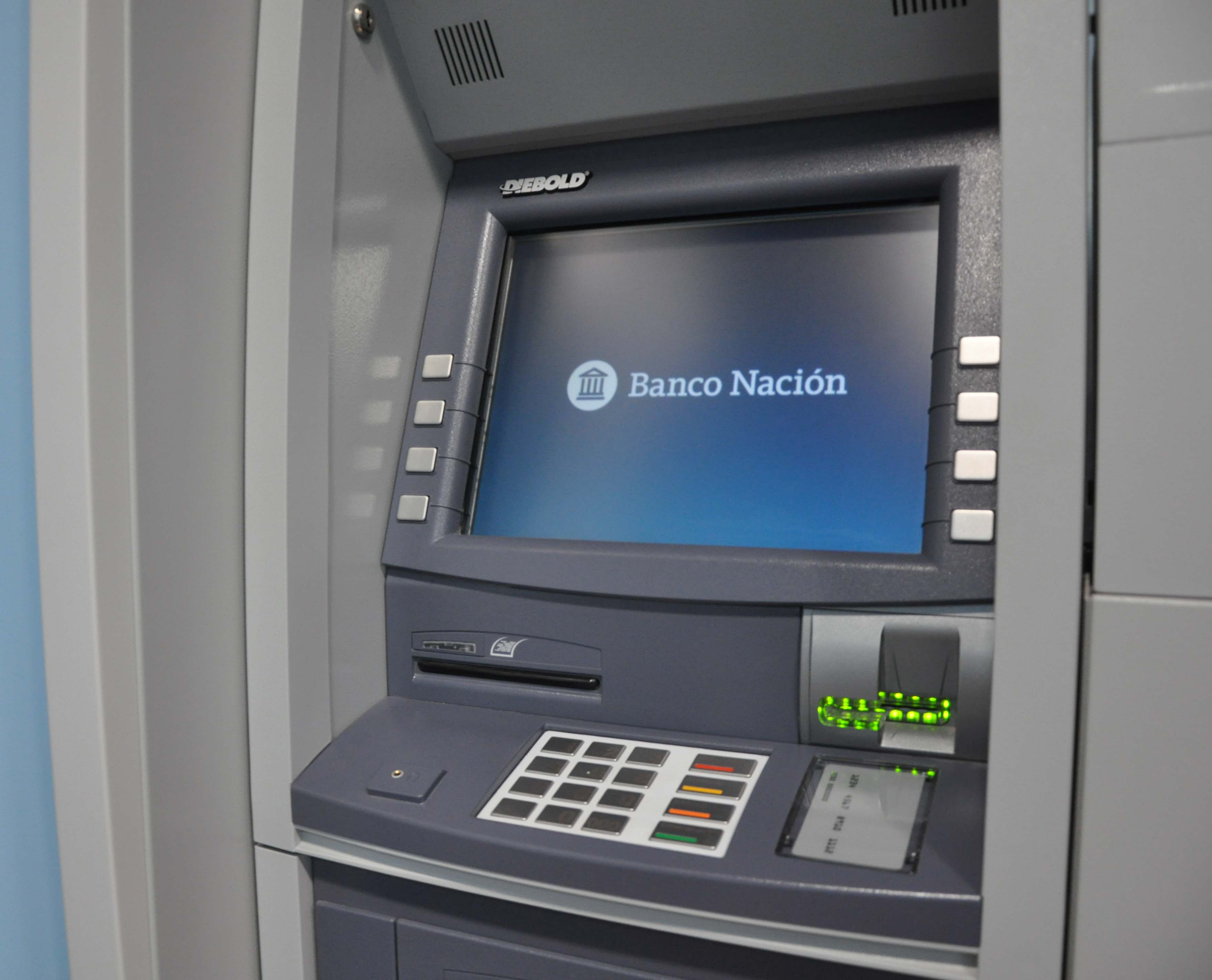 La sucursal del Banco Nación en Villa Ramallo informó que los cajeros permanecerán cerrados a partir del viernes 29 de junio debido a las refacciones que están haciendo en el edificio.