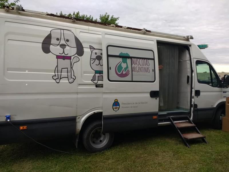 """Llegó a Ramallo el """"Programa nacional de tenencia responsable y sanidad de perros y gatos"""", dependiente del Ministerio de Salud de la Nación. La iniciativa comprende en las castraciones para perros y gatos, de manera gratuita."""