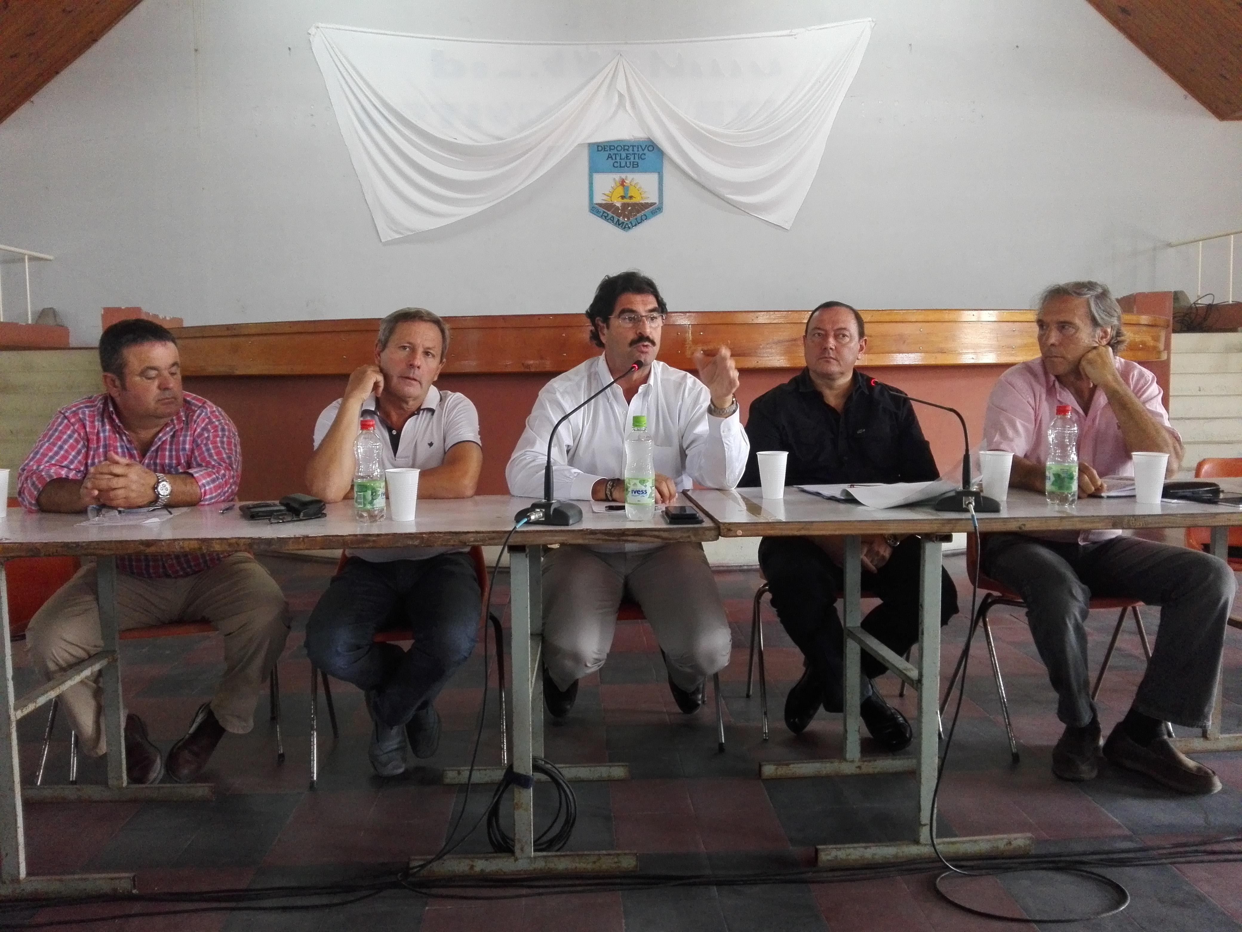 El ministro de Agroindustria de la provincia de Buenos Aires, Leonardo Sarquís, visitó Ramallo para reunirse con productores agropecuarios de la zona ante la declaración de la Emergencia Agropecuaria.