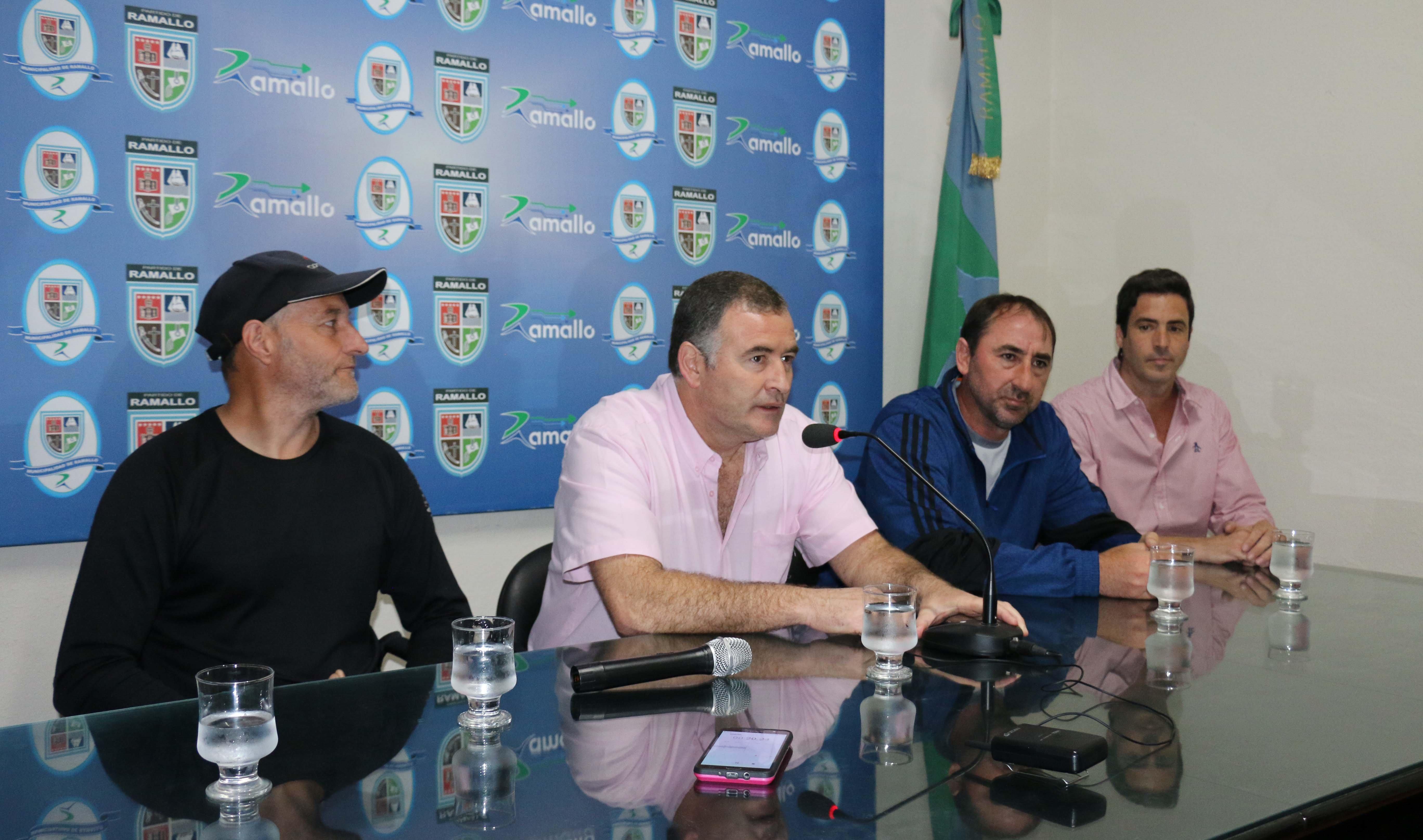 El intendente Mauro David Poletti realizó la presentación de lo que será el cierre del Salomón K21 Series Copa Optitech que repite el escenario en las playas del Paraná.