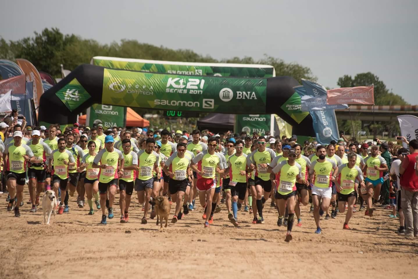 En conferencia de prensa, el intendente Mauro David Poletti realizó la presentación de lo que será el cierre del Salomón K21 Series Copa Optitech que repite el escenario en las playas del Paraná. Se llevará a cabo el domingo 28 de octubre comenzando en nuestras playas del Río Paraná desde el Parador Municipal.
