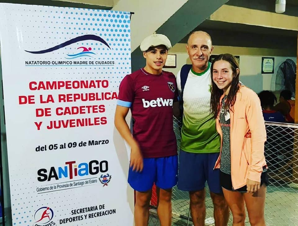Los jóvenes nadadores ramallenses, Catalina Oviedo y Francisco Butti, redondearon una destacada participación en el Campeonato República de Natación para Cadetes y Juveniles que contó con la participación de 750 nadadores de todo el país.
