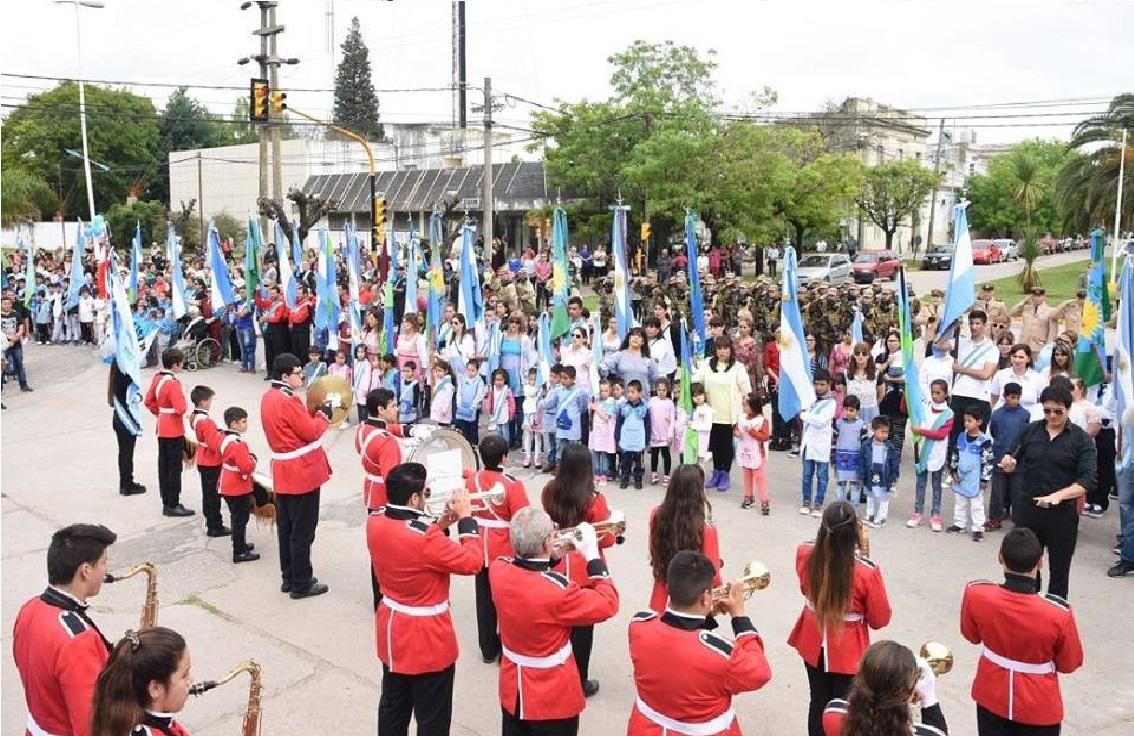 La Municipalidad de Ramallo invita a participar de los festejos por el 209 Aniversario de la Revolución de Mayo. Los festejos se realizaran en la Plaza José María Bustos, en la intersección de Mitre y Moreno.