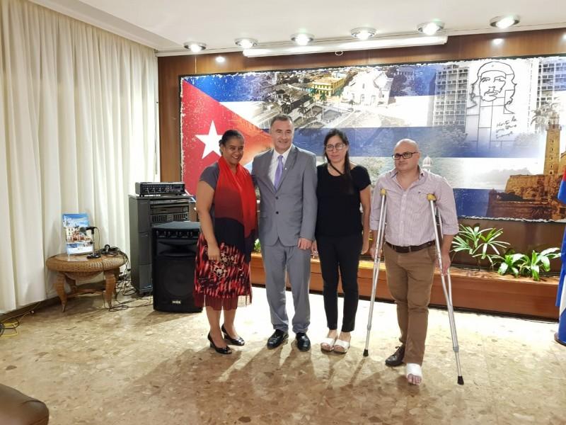 """En el marco del programa """"Ramallo se abre al Mundo"""" el intendente Mauro Poletti se entrevistó con la Consejera Comercial Económico de la República de Cuba, Aniunka Ortiz Marguetti. En el encuentro trataron temas relacionados con la tecnología y el sector alimenticio."""
