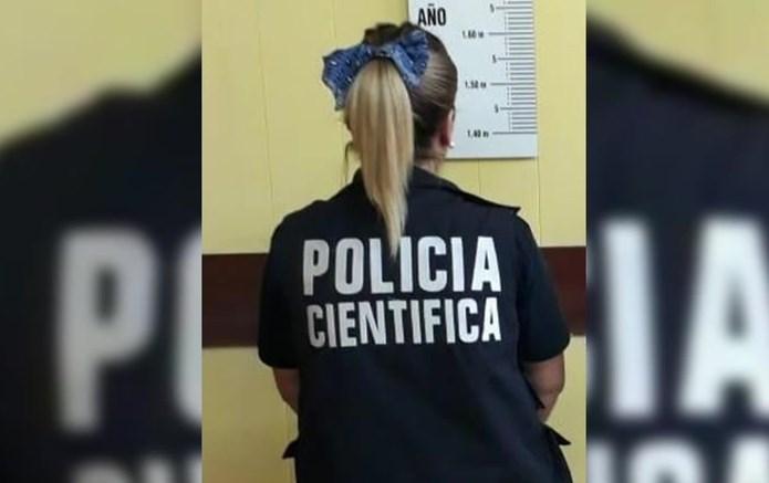 Ocurrió en Villa General Savio. Una mujer mayor realizó una denuncia por haber sido víctima de un robo con privación ilegal de la libertad en su vivienda. Un sujeto había ingresado con un arma blanca y bajo amenazas se llevó un televisor, una radio y un celular.