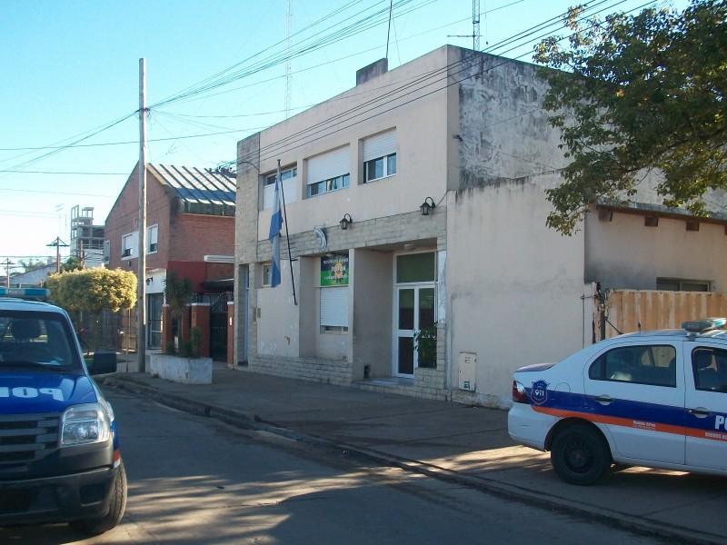 La Estación Comunal Segunda de policía informó los detenidos por infracción a la Ley de Drogas. El sábado en horas de la madrugada personal uniformado aprehendió a un sujeto de 19 años en cuyo poder encontraron un baguyo de cocaína.