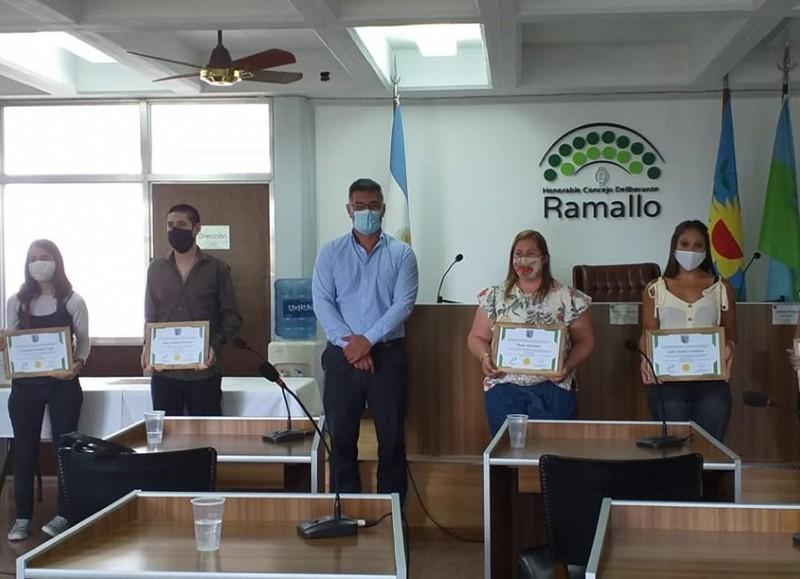 Paula Mariuzzi, Rosario Silva, Sofia Sandiaes, Juan Amílcar Herrera, Pérez Millán, Agustina Salvatori, María Emilia Claverol y Carolina Soledad Lupi, recibieron los reconocimientos.