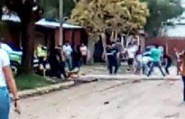 Batalla campal en Valle de Oro: Dos policías terminaron heridos