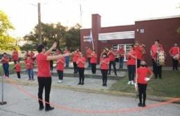 Homenaje de la Banda Popular Infanto Juvenil de Ramallo a los héroes de Malvinas
