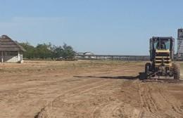 Trabajos de nivelación y mantenimiento en la costa del Paraná