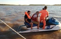 Colisión y rescate en el río Paraná