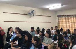 Estudiantes atentos.