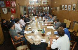 Los funcionarios desarrollaron un informe sobre la evolución del mercado eléctrico desde la privatización de la energía.