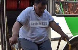 La Giglia TV registró el momento de la rotura de una rampa para discapacitados.