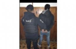 Joven detenido por exhibiciones obscenas