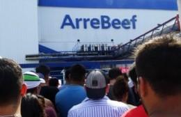 ArreBeef reabre sus puertas con mil trabajadores