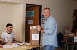 Poletti y Perie ya emitieron su voto