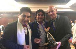 Cacho Rubio, periodista de espectáculos, Claudio Sosa, periodista de NOVA, y Héctor Gallo, organizador de los Premios Ballenas. (Foto: NOVA)