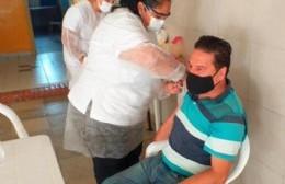 Comenzaron a vacunar a vecinos de Ramallo