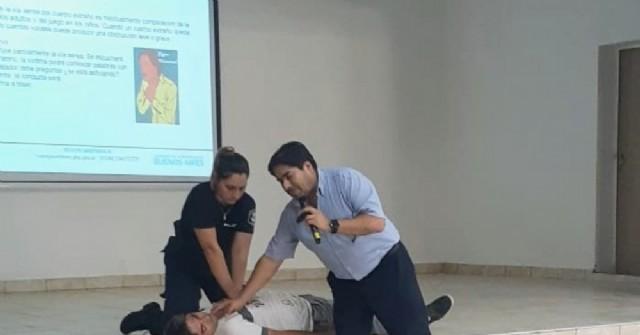 Curso de RCP para docentes y auxiliares