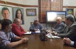 Cecilio Salazar en reunión con Marcelo Lobosco, entre otras autoridades.