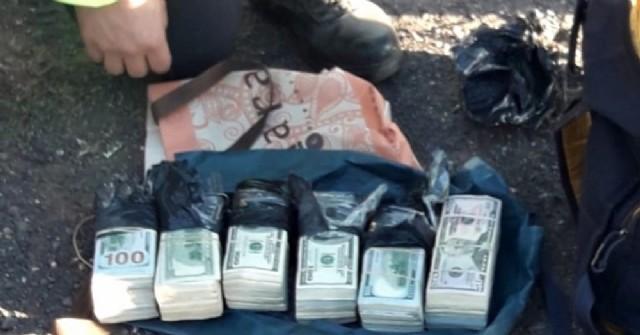 San Nicolás: un disc jockey iba con 200.000 dólares en el auto que no pudo justificar
