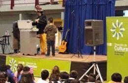 Alumnos de varias escuelas participaron del atractivo evento.