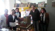 Las docentes junto al legislador del FAUnen.